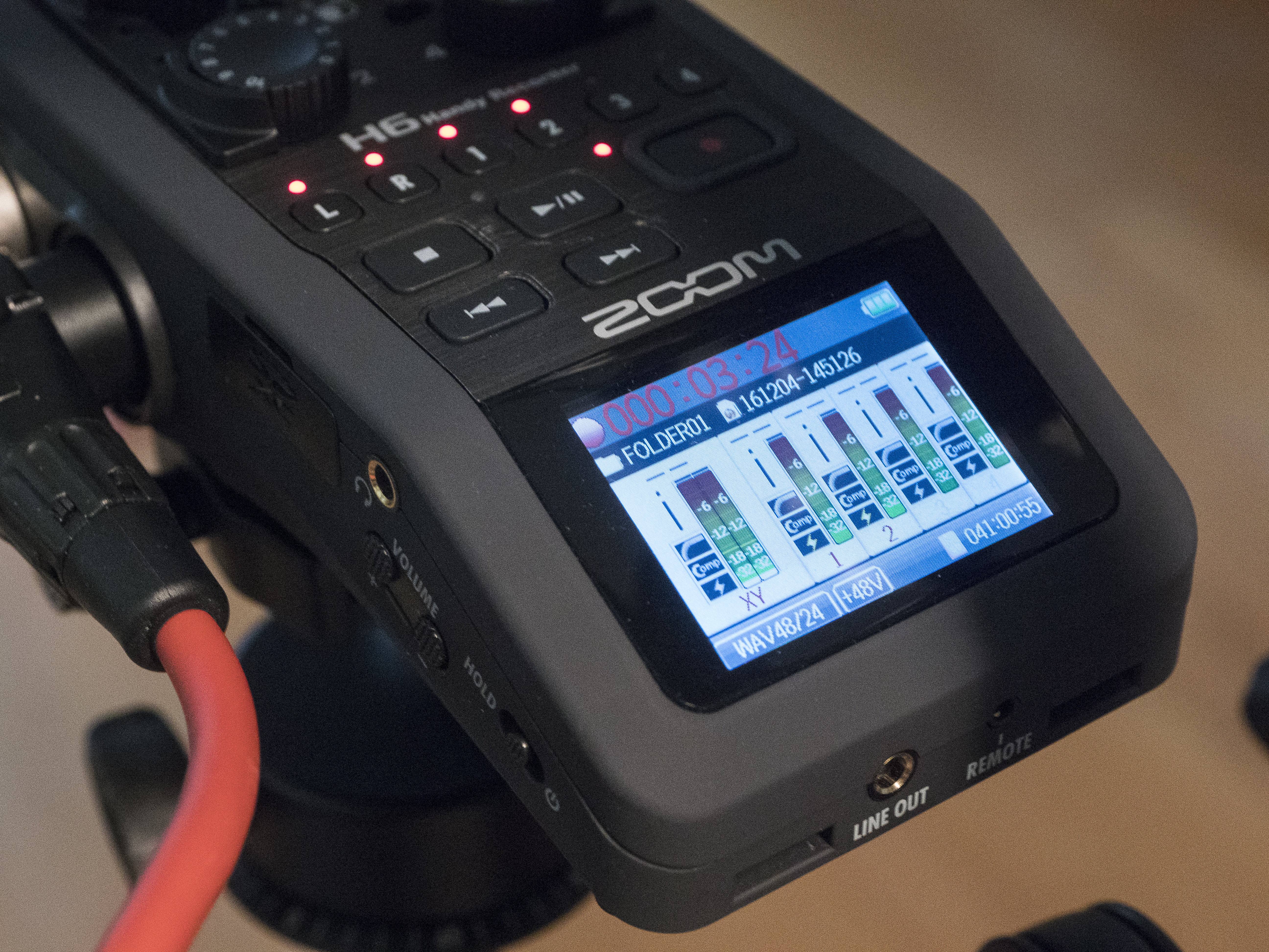 Zoom H6 while recording